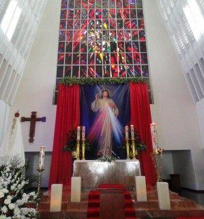 fuera de Virgen golondrina en Granada